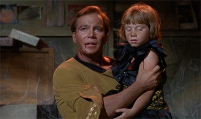 Shatner does a lot of the episode's heavy lifting...