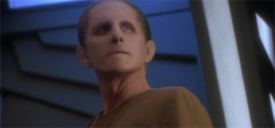 Odo can always spot a (shape)shifty character...