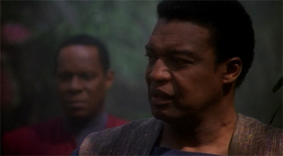 Sisko keeps his uniform, just in Casey...