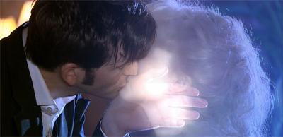 Ghost kiss!