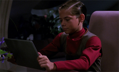 Star Trek invents the iPad...