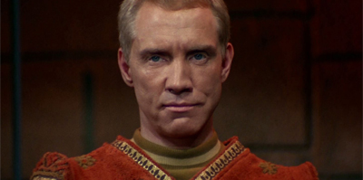 It's a nice touch that Merik is still wearing an old-style Starfleet jumpsuit from The Cage...