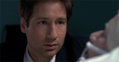 It's season finalé time, so of course a member of the Mulder film is in peril!