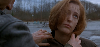 Mulder's investigation into Scully's missing personal life continues apace...