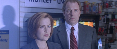 """""""Don't worry. We've got a plan in case David Duchovny doesn't re-up at the end of the seventh season."""""""