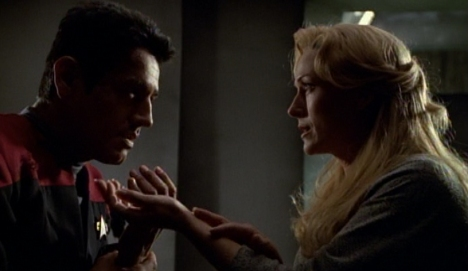 Just what every Borg story needs! A Chakotay romance!