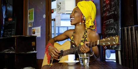 Fatoumata played guitar.